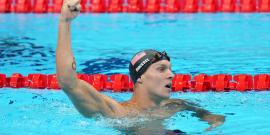 Caeleb Dressel adorna su quinto oro con un récord mundial