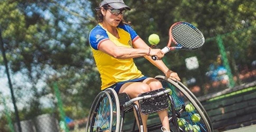 Johana Martínez recibió homenaje por su carrera y por ser ejemplo