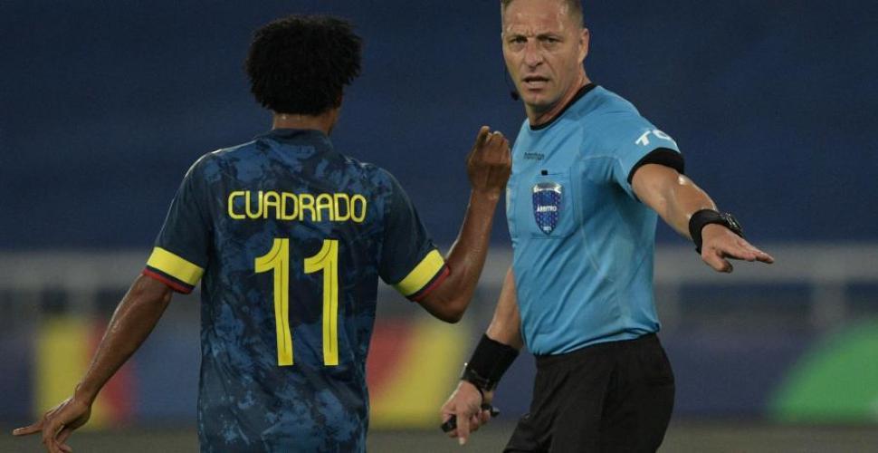 """Colombia pide """"suspensión inmediata"""" de árbitros del juego con Brasil"""
