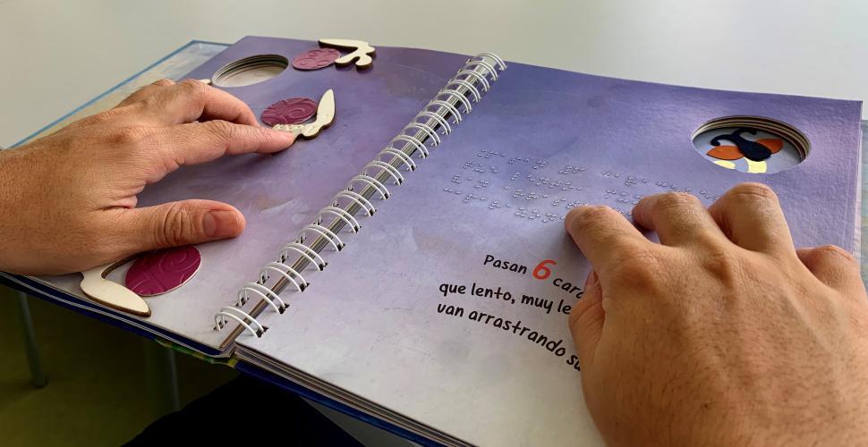 Biblioteca Débora Arango ofrece libros en braille para el valle de Aburrá