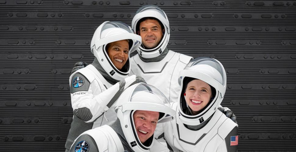 Todo listo para el despegue de la primera misión espacial completamente civil