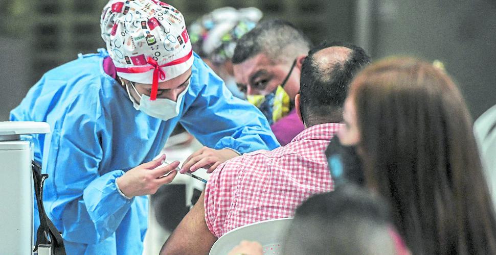 Activan puntos de vacunación en las Juntas de Acción Comunal de Medellín